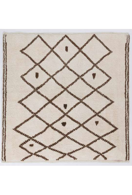 Ivory color Square Shaped MOROCCAN Berber Beni Ourain Design Rug with Brown Diamond patterns, HANDMADE, 100% Wool
